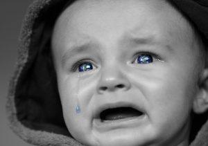 Signification de rêver de voir un bébé pleurer